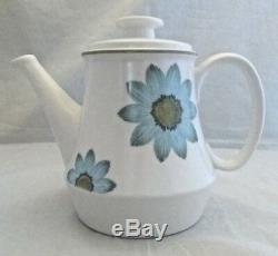4 Noritake Up Sa Daisy 7 Piece Place Settings Tea Pot Mid Century 29 Piece MINT