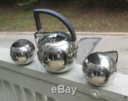 Art Deco 2000 Oliver Hemming Stainless Steel NIO Teapot Milk Jug and Creamer
