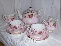 BEAUTIFUL Royal Albert New Country Roses 7 Pc. Tea Set, Tea Pot, Creamer, etc