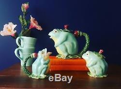 Classic majolica pottery frog tea set teapot creamer sugar bowl floral green