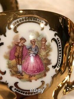 Kobalt Gedeckt 14 Piece Bavarian 22 Karat Gold Hand-painted Porcelain Tea Set
