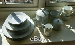 Noritake Reina Japan 6450-Q 23-Piece China Set Teapot Creamer Sugar Plates