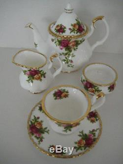 Royal Albert England Old Country Roses Miniature Teapot Tea Set For One On Tray