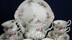Royal Albert LAVENDER ROSE tea set for 6 including a teapot 21 piece