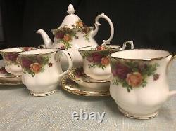 Royal Albert Old Country Roses 11 Piece Set Large Teapot Tea Cup Scalloped Mugs