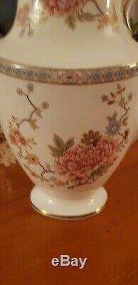 Royal Doulton Canton set- Teapot, Coffee pot, sugar bowl withlid, creamer + plate