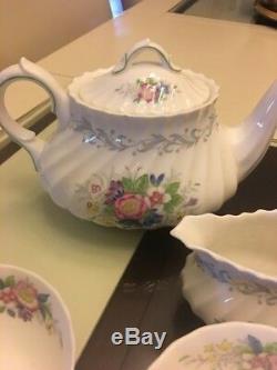Royal Doulton Windermere 19-piece China Tea Pot Set Made In England Euc