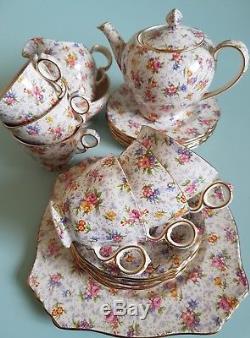Royal Winton Eleanor Tea Set for Six Floral Chintz 22 pieces with Teapot Mint