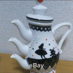 Tokyo Disney Resort Alice in Wonderland Teapot 3 Spout Set. Very RARE