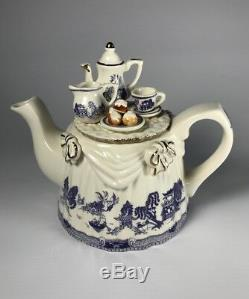 Vintage Paul Cardew Made in England Blue Willow Tea Table Teapot