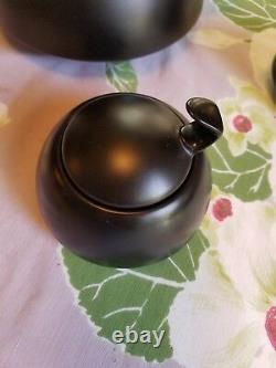 Walter Gropius, Rosenthal studio line Porcelaine Noire tea set, 3 piece