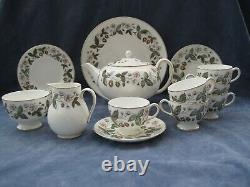 Wedgwood Strawberry Hill 23 piece Tea Set including Large Tea Pot First Quality